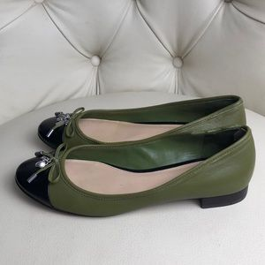 Coach Black & Olive Green Leather Flats